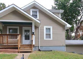 Casa en ejecución hipotecaria in Saint Louis, MO, 63135,  SPRING AVE ID: P1727750
