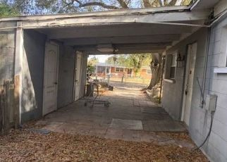 Foreclosure Home in Tampa, FL, 33619,  WINDSOR WAY ID: P1728669