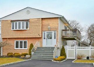 Casa en ejecución hipotecaria in Shirley, NY, 11967,  KENT DR ID: P1734656