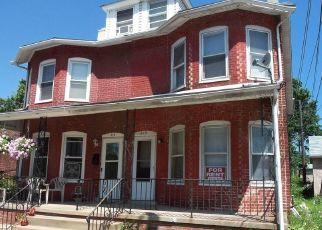 Casa en ejecución hipotecaria in Coatesville, PA, 19320,  WALNUT ST ID: P1737789