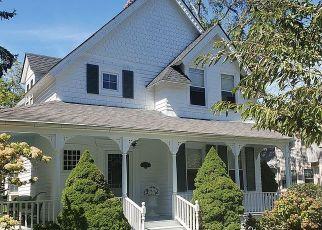 Casa en ejecución hipotecaria in Islip, NY, 11751,  WILLOW AVE ID: P1738134