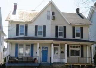 Casa en ejecución hipotecaria in Catasauqua, PA, 18032,  PINE ST ID: P1739341