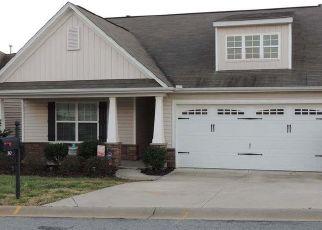 Casa en ejecución hipotecaria in Greenville, SC, 29605,  HIDDEN RIVER PL ID: P1741365
