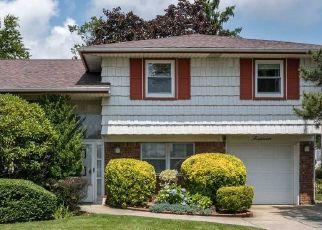 Casa en ejecución hipotecaria in Williston Park, NY, 11596,  DE CHIARO LN ID: P1741860