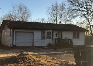 Casa en ejecución hipotecaria in Richland, MO, 65556,  DALE LN ID: P1746175