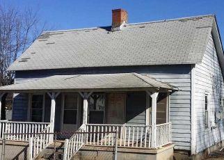 Casa en ejecución hipotecaria in Greenville, SC, 29609,  6TH AVE ID: P1746623
