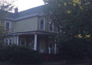 Casa en ejecución hipotecaria in Mount Rainier, MD, 20712,  RAINIER AVE ID: P1746751