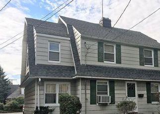 Casa en ejecución hipotecaria in Bronx, NY, 10461,  TOMLINSON AVE ID: P1746941