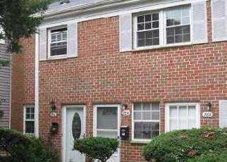 Casa en ejecución hipotecaria in Islandia, NY, 11749,  TOWNE HOUSE VLG ID: P1747014