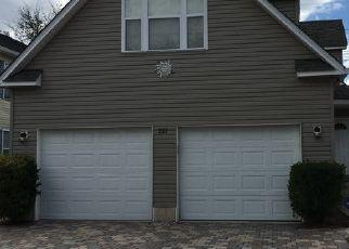 Casa en ejecución hipotecaria in Naples, FL, 34104,  LEAWOOD CIR ID: P1747968