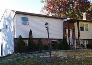 Casa en ejecución hipotecaria in Medford, NY, 11763,  CHESTNUT AVE ID: P1749529