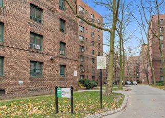 Casa en ejecución hipotecaria in Bronx, NY, 10462,  UNIONPORT RD ID: P1752379