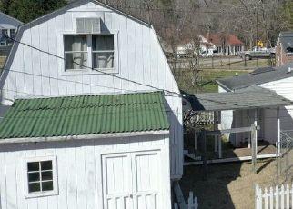 Casa en ejecución hipotecaria in Ware Shoals, SC, 29692,  SALUDA AVE ID: P1759535