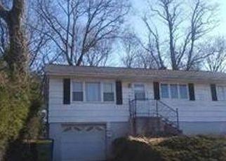 Casa en ejecución hipotecaria in Waterbury, CT, 06704,  BENEFIT ST ID: P1763239
