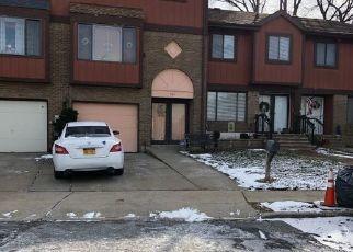 Casa en ejecución hipotecaria in Staten Island, NY, 10309,  BALSAM PL ID: P1764367