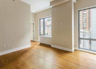 Casa en ejecución hipotecaria in New York, NY, 10036,  W 44TH ST ID: P1764767