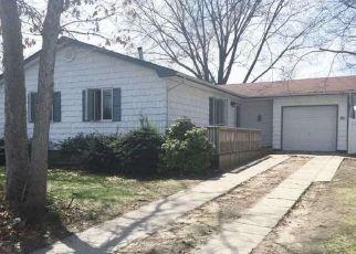 Casa en ejecución hipotecaria in Ronkonkoma, NY, 11779,  MARY AVE ID: P1764947