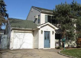 Casa en ejecución hipotecaria in Levittown, NY, 11756,  FLAMINGO RD ID: P1767845