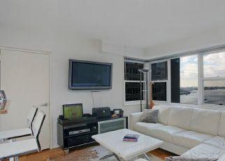 Casa en ejecución hipotecaria in New York, NY, 10022,  E 54TH ST ID: P1767873