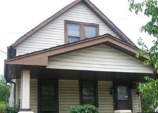 Casa en ejecución hipotecaria in Cleveland, OH, 44109,  TROWBRIDGE AVE ID: P1768032