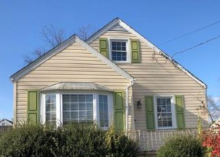 Casa en ejecución hipotecaria in Linthicum Heights, MD, 21090,  COLONIAL DR ID: P1768295
