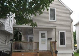Foreclosure Home in Cedar Rapids, IA, 52404,  9TH AVE SW ID: P1773111