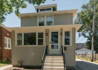 Casa en ejecución hipotecaria in Oak Park, IL, 60304,  HIGHLAND AVE ID: P1780934