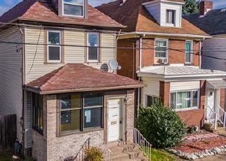 Casa en ejecución hipotecaria in Natrona Heights, PA, 15065,  PINE ST ID: P1781889