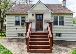 Casa en ejecución hipotecaria in Bensalem, PA, 19020,  BUTTONWOOD AVE ID: P1784449