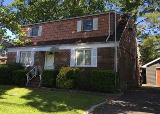 Casa en ejecución hipotecaria in Carle Place, NY, 11514,  ROOSEVELT CT ID: P1784779