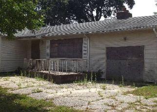Casa en ejecución hipotecaria in Amityville, NY, 11701,  GLENMALURE ST ID: P1787370