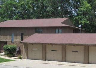 Casa en ejecución hipotecaria in North Royalton, OH, 44133,  CREEKWOOD CT ID: P1792629