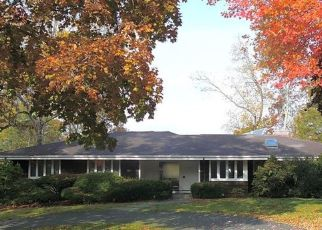 Foreclosure Home in Fairfield, CT, 06825,  GOLFVIEW TER ID: P1795415