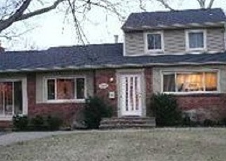 Casa en ejecución hipotecaria in Bay Shore, NY, 11706,  THOMPSON DR ID: P1795502