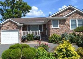 Casa en ejecución hipotecaria in Merrick, NY, 11566,  HEWLETT AVE ID: P1797190