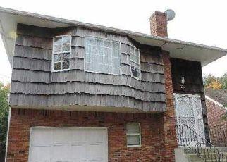 Casa en ejecución hipotecaria in Hempstead, NY, 11550,  DORLON ST ID: P1797199