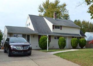 Casa en ejecución hipotecaria in Levittown, PA, 19057,  GERANIUM RD ID: P1799831