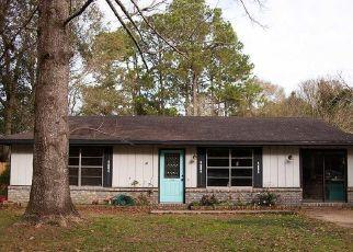 Foreclosure Home in Foley, AL, 36535,  W WALNUT AVE ID: P1801960