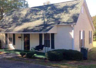 Casa en ejecución hipotecaria in Honea Path, SC, 29654,  WOODLAND WAY ID: P1802260