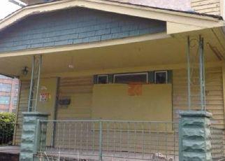 Casa en ejecución hipotecaria in Cleveland, OH, 44108,  CLEVELAND RD ID: P1802601
