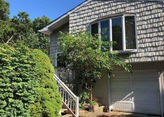 Casa en ejecución hipotecaria in Mastic, NY, 11950,  ARDMOUR DR ID: P1804816