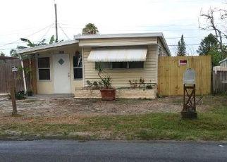 Casa en ejecución hipotecaria in Holiday, FL, 34690,  ARCADIA RD ID: P1805556