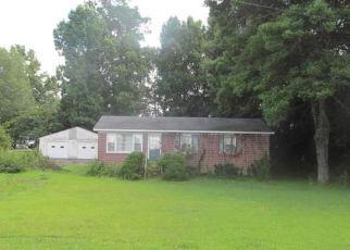 Casa en ejecución hipotecaria in Clinton, SC, 29325,  WILDWOOD ST ID: P1807160