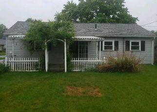 Casa en ejecución hipotecaria in Canton, OH, 44705,  MAXINE AVE NE ID: P1807377