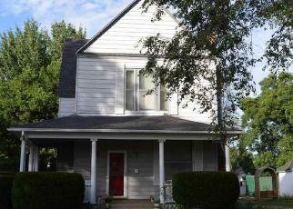Casa en ejecución hipotecaria in Windsor, MO, 65360,  E BENTON ST ID: P1809449