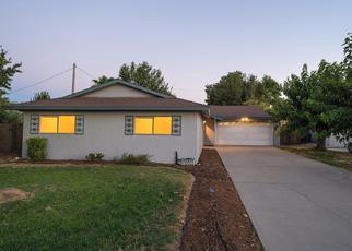 Casa en ejecución hipotecaria in Lemoore, CA, 93245,  CAMELLIA LN ID: P1809796