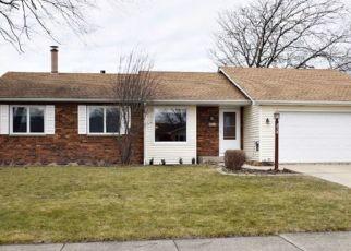 Casa en ejecución hipotecaria in North Aurora, IL, 60542,  LARCHWOOD LN ID: P1825342