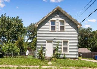 Foreclosure Home in Cedar Rapids, IA, 52404,  14TH AVE SW ID: P1825415