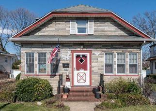 Casa en ejecución hipotecaria in Merrick, NY, 11566,  KENNY AVE ID: P1826504