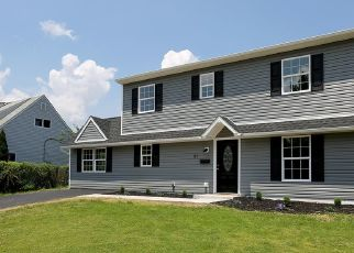 Casa en ejecución hipotecaria in Levittown, PA, 19055,  RED CEDAR DR ID: P1828118